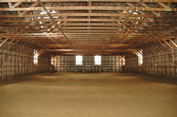 Curie sra stables for Manege interieur
